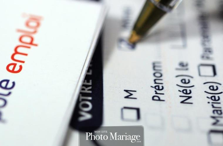 Démarches administratives : Dans le cas où vous prétendiez à un poste, et que vous percevez des allocations chômage, certaines procédures sont également à suivre en parallèle.