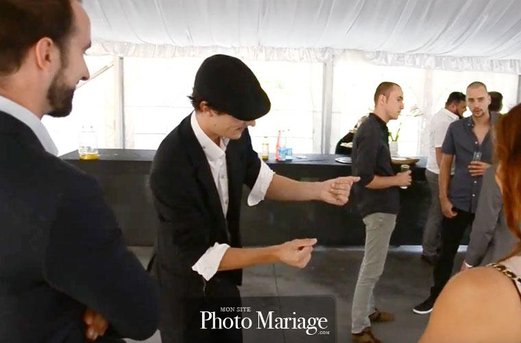 Magicien mariage : aujourd'hui, la magie est drôle, interactive et moderne, avoir recours à un illusioniste pour animer son mariage est une très bonne idée