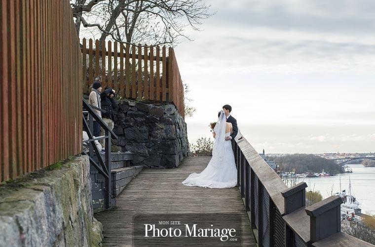 Il est important que le photographe sache se montrer discret tout au long de la cérémonie et lors du shooting des mariés