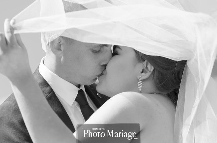 Vous allez pouvoir partager les plus belles photos de votre mariage avec les gens que vous aimez, sans avoir à vous inquiéter à propos de votre droit à l'image et de la protection de votre vie privée, comme c'est souvent le cas avec Facebook par exemple.