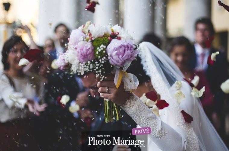 Se marier pendant le COVID est possible, mais comme vous le savez peut-être, les invités devront être séparés par 1 mètre et observer une vraie distanciation.